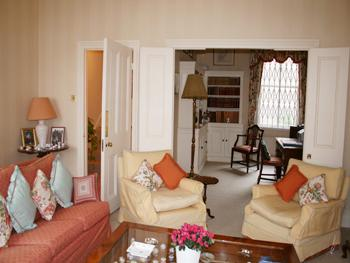 Large London Vacation House with a Country Feel - Image 1 - London - rentals