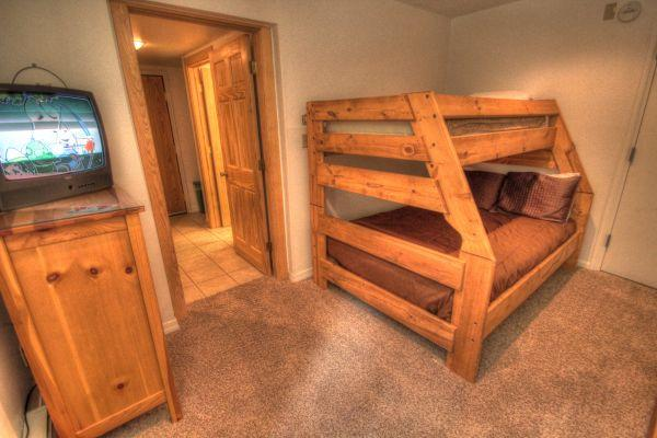 CM212HA Copper Mountain Inn - Center Village - Image 1 - Copper Mountain - rentals