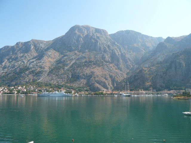 summer 2009 002 - Frontline Apartment in Muo, Kotor Bay, Montenegro - Kotor - rentals
