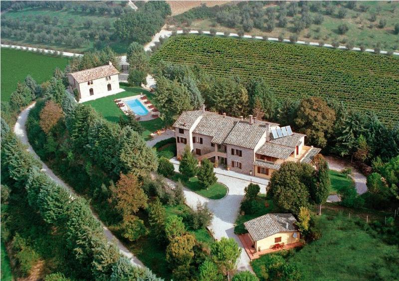 PODERE CALDARUCCIO AEREA - Luxury Villa with marvellous view on 2 valleys - Perugia, Italy - Perugia - rentals