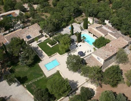 Luberon 5 Bedroom French Country House with a Pool, Gordes - Image 1 - Gordes - rentals