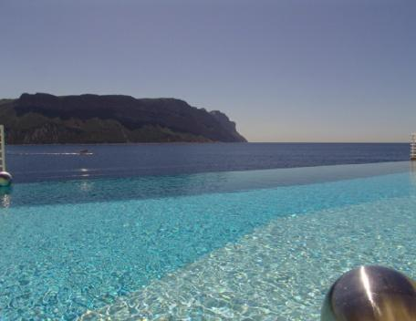 Sea Front, Luxury 3 Bedroom Villa with a Pool in Cassis - Image 1 - Cassis - rentals