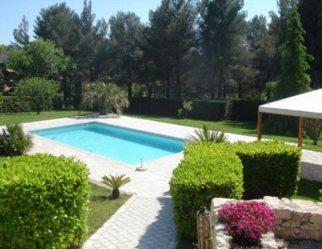 Amazing 4 Bedroom Holiday Rental Villa with a Pool, Aix En Provence - Image 1 - Aix-en-Provence - rentals