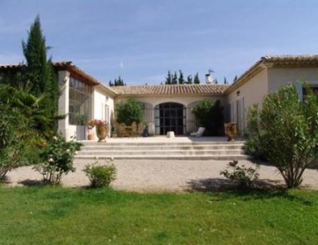 Holiday rental Villas Saint Remy De Provence (Bouches-du-Rhône), 350 m², 6 500 € - Image 1 - Les Brévières - rentals