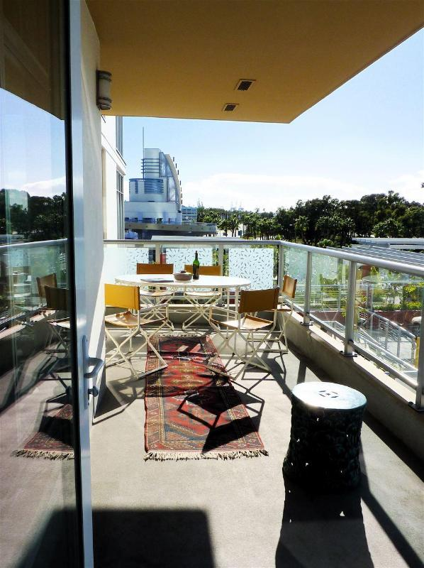 Oversized Private Balcony - Perfect!  Long Beach 2 Bed/2 Bath New Condo Views! - Long Beach - rentals