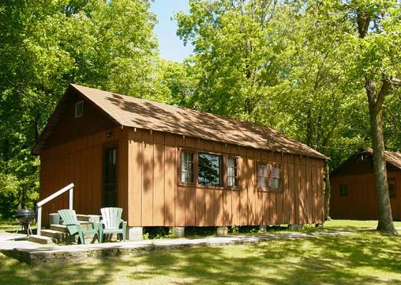 Outside View - Simplistic Cabin on the Lake #2 - Deer River - rentals