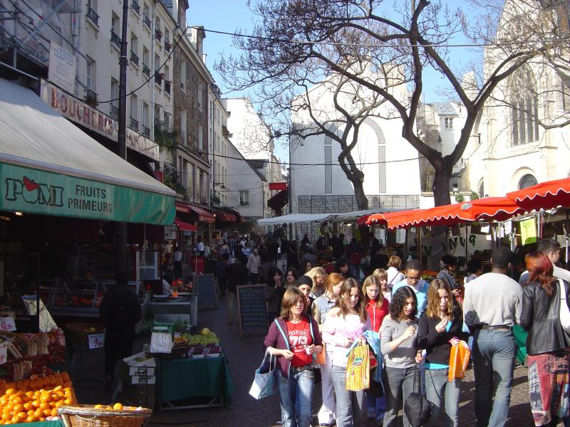 Daily fresh streetmarket (1mn from apt) - Calm and Sunny Apartment in Moufeetard Market in Paris - Paris - rentals
