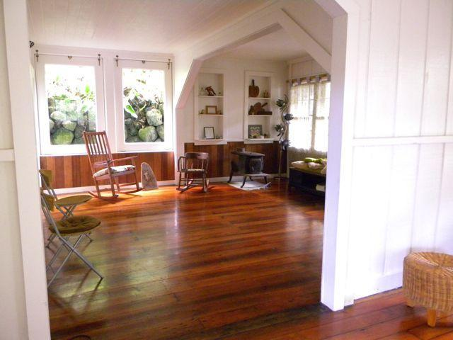 front room - Old Jodo Temple - Laupahoehoe - rentals