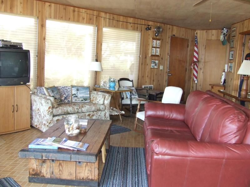 Living Room - Seafarer's Cabin,beachfront with Crows Nest,Oregon - Rockaway Beach - rentals
