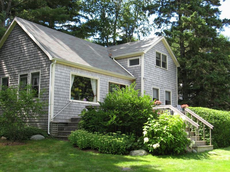 Our Guest Cottage - Ledges' Guest Cottage - shorefront &  just for you - Southwest Harbor - rentals