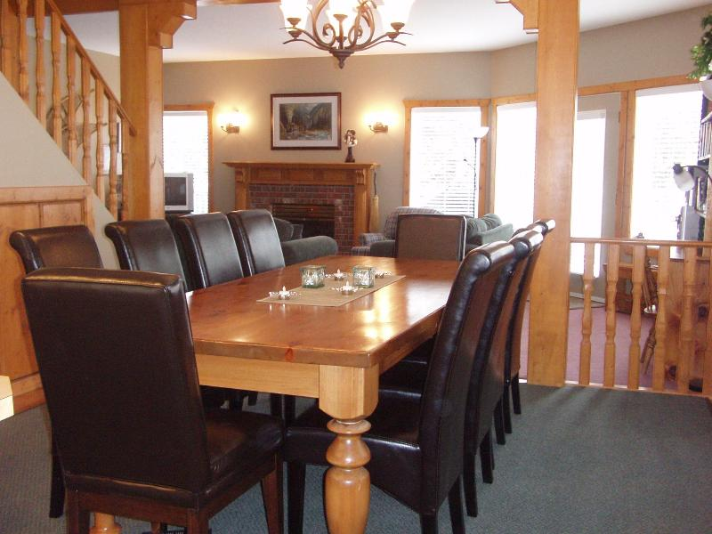 Dining Room- Seats up to 12 people. HIgh chair /playpen available if needed. - Mountain View Chalet, Silver Star Mountain, B.C. - Silver Star Mountain - rentals