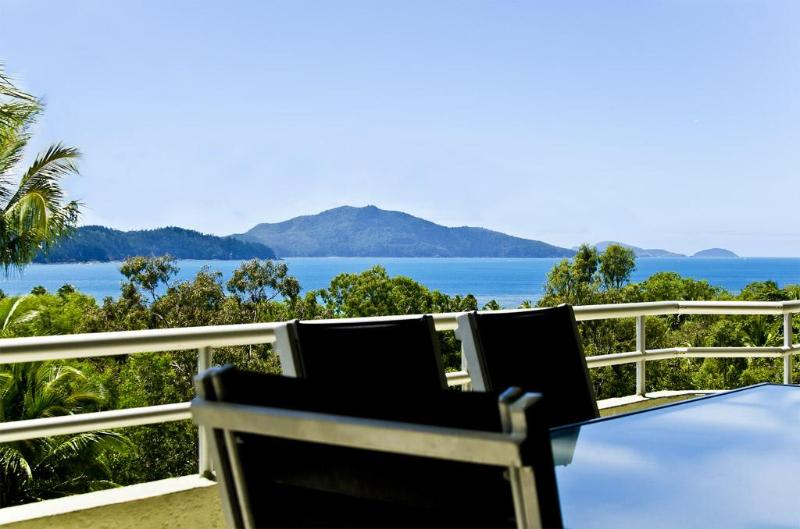 101 Poinciana Lodge - Image 1 - Hamilton Island - rentals
