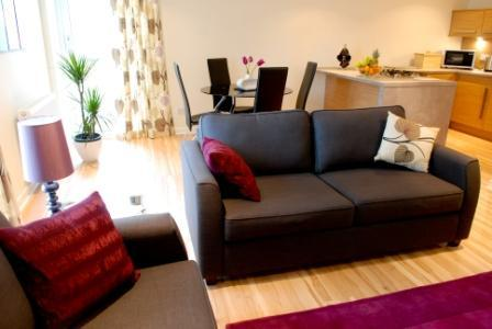 Offering guests a modern & stylish lounge with dining area - Barony Bell 1 bed Stylish Apartment - Glasgow - rentals
