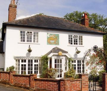 Dragon Lodge House (Formerly an old Pub in the 18th Century - Dragon Lodge - Tranquill, rural retreat in Surrey - Farnham - rentals