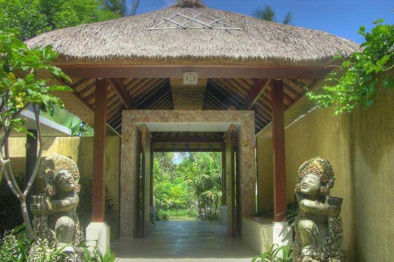 Entrance Pavilion of Villa Sabandari, Ubud Bali - Villa Sabandari in Ubud Bali - Ubud - rentals