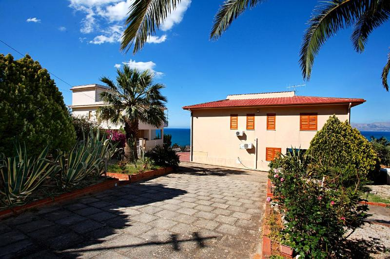 main entrance - Villa Del Golfo -What a view! Ideal vacation spot! - Castellammare del Golfo - rentals