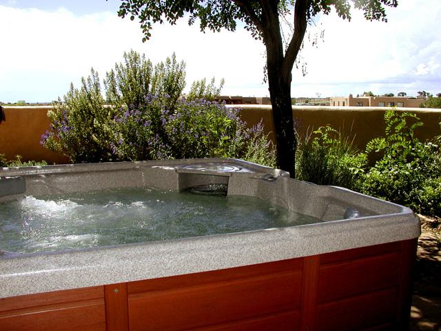 Private Hot Tub with mountain views.  Entire yard enclosed by custom built adobe privacy wall - Casa Cobre - El Prado - rentals