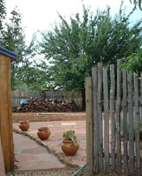 Coyote fencing - very native to Taos and Santa Fe - Casa Sofia - Taos - rentals
