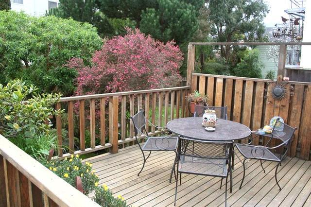 Deck off Kitchen - Charming Noe Valley Victorian Flat w/parking - San Francisco - rentals
