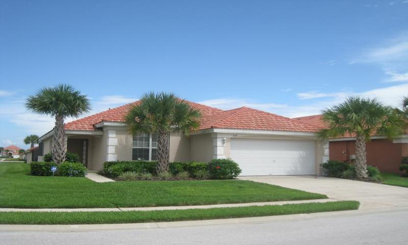 Situated on a Large Corner Plot - Solana Retreat Villa - Orlando - rentals