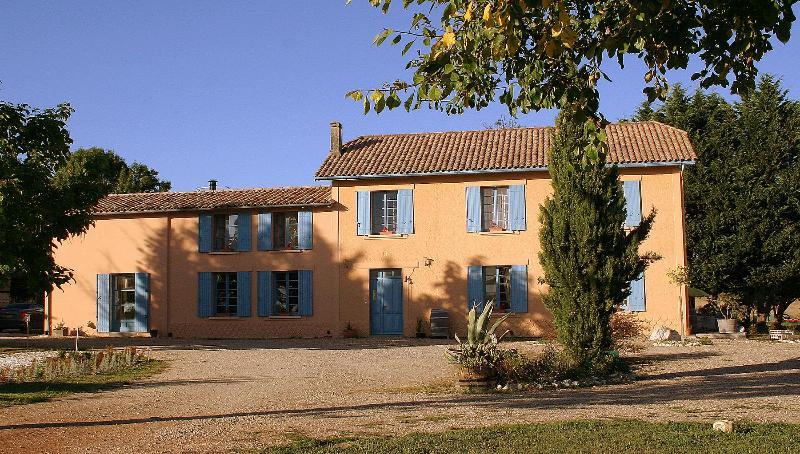 Chateau Lavanau facade - Chateau Lavanau, wine producing estate, pool, park - Loubes-Bernac - rentals