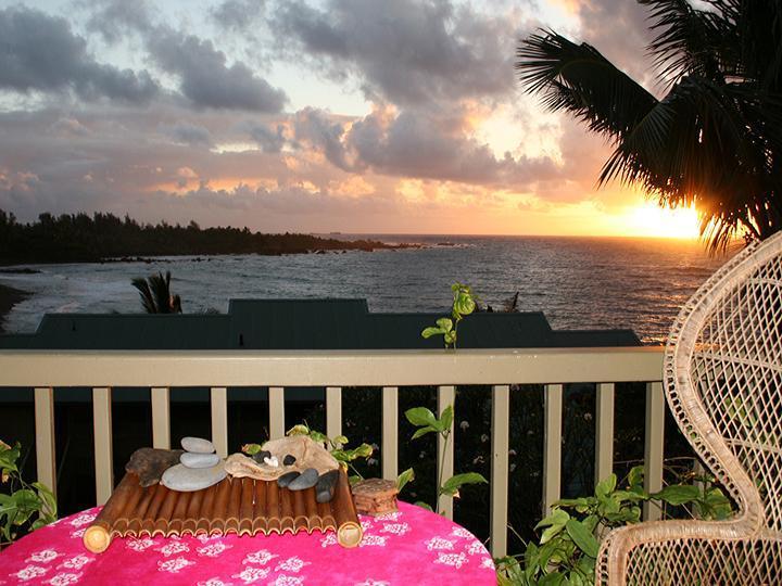 Sunrise spectacular - Gorgeous Oceanviews! ROMANTIC Hana Kai 206 - Hana - rentals