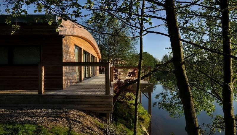 Isabella external - Brompton Lakes - Richmond - rentals