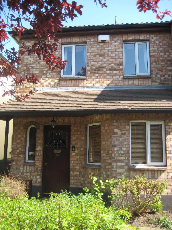 3 Bedroom  House - House in Tranquil Location Close to City Center - Dublin - rentals