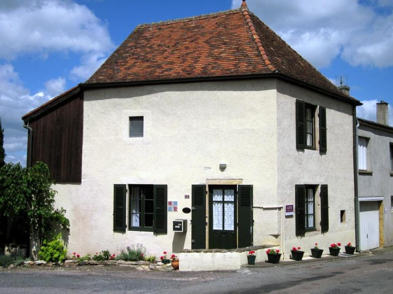 La Maison du Curé - La Maison du Curé in Cormatin near Taizé - Cormatin - rentals