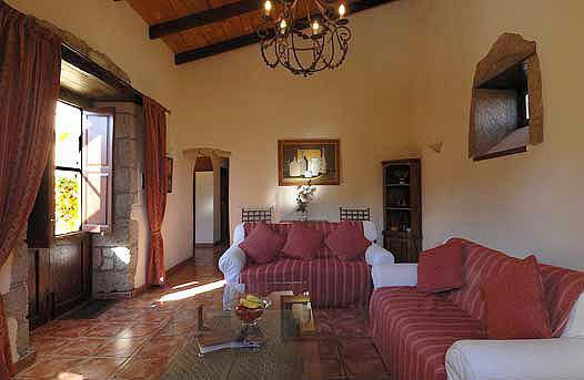 Bougainvillea cottage, sitting area. - Bougainvillia Cottage,  La Bodega Casa Rural. - San Miguel de Abona - rentals