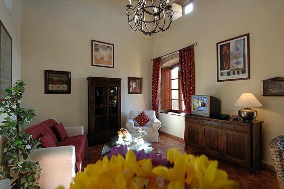Hibiscus Cottage interior. - Hibiscus cottage, La Bodega Casa Rural, Tenerife - Tenerife - rentals