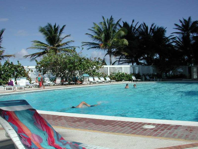 Swimming pool and Lounge Area by the Beach - Two Bedroom/2 Bath Apartment w/Pool Condado Beach - San Juan - rentals