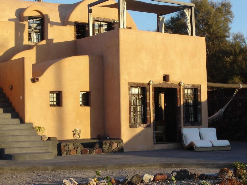 Ramni house - Villa on a private beach near Oia,  2 -8 persons - Oia - rentals