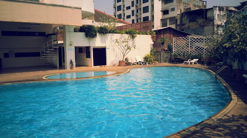 Cool off in this beautiful pool during the hot humid days of the Thai Summer. - My Chiang Mai Furnished Apartment's with a POOL - Chiang Mai - rentals
