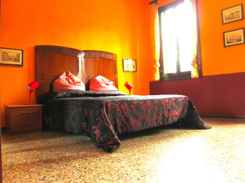 The Orange Bedroom - Chromotherapy, find new balance in colors! - Venice - rentals