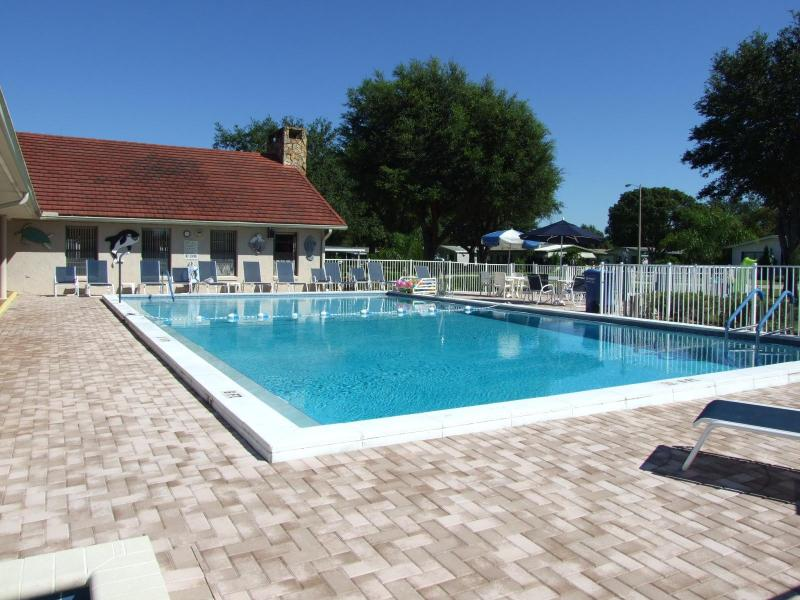 Pool Area - Low Cost Vacation/Holiday Home Near Golf Courses/Lakes, Nr Disney Orlando  and Tampa - Auburndale - rentals