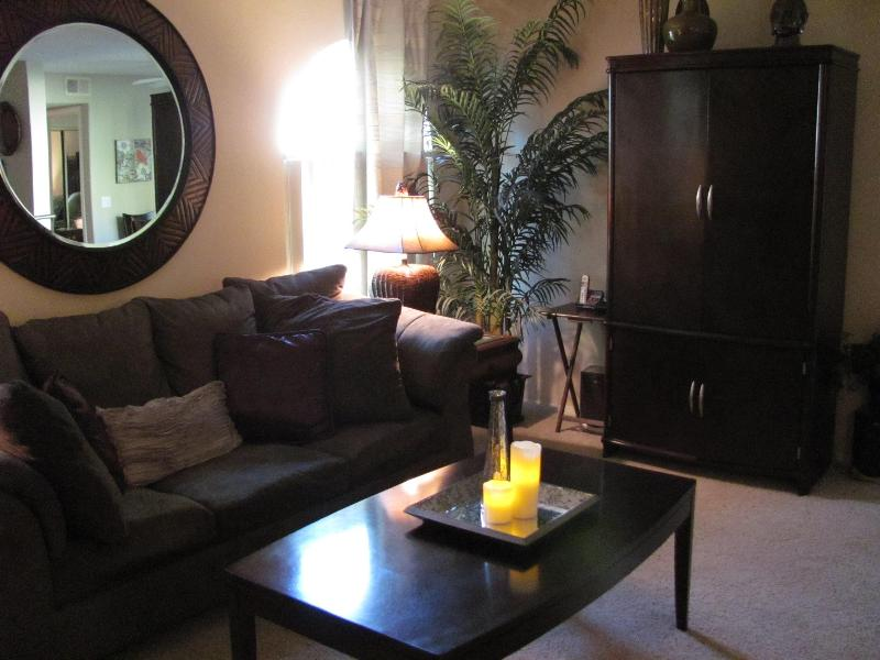"""Stylish and Comofortable! - WELCOME TO YOUR BEAUTIFUL """"HOME AWAY FROM HOME""""! - Las Vegas - rentals"""