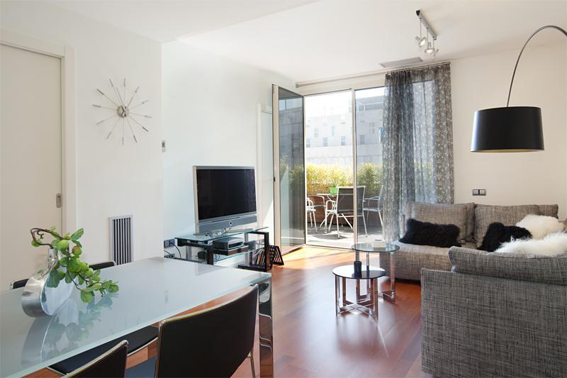 Living room with dining area - Amazing Plaza Catalunya Terrace Apartment - Barcelona - rentals