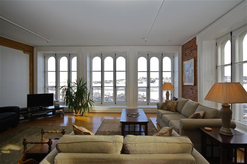 Living area facing the St. Lawrence River - Historic Old Quebec City - Four-Star Condo - Quebec City - rentals