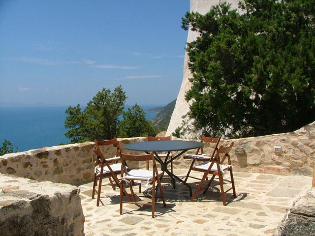 Unbeatable Oceanside Villa with Unforgettable Views - Image 1 - Pian di Rocca - rentals