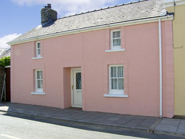 Y BWTHYN, pet friendly, with a garden in St Davids, Ref 4169 - Image 1 - Saint Davids - rentals