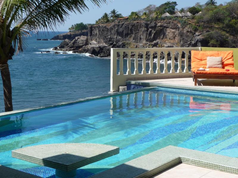 Picture Perfect - Luxurious Beach Front Bed  Breakfast & Spa - Puerto de la Libertad - rentals