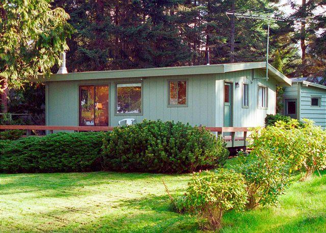 122 - Mutiny Bay Waterfront Cabin, 6552 next to #123 - Image 1 - Freeland - rentals