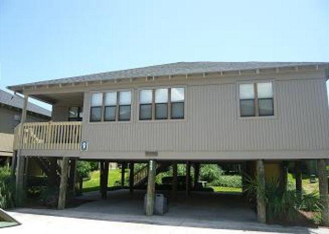 Renovated and Roomy 4 Bedroom Guest Cottage 60 - Sleeps 10 - Image 1 - Myrtle Beach - rentals