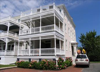 Wonderful 5 Bedroom-3 Bathroom House in Cape May (The White Cottage 3244) - Image 1 - Cape May - rentals