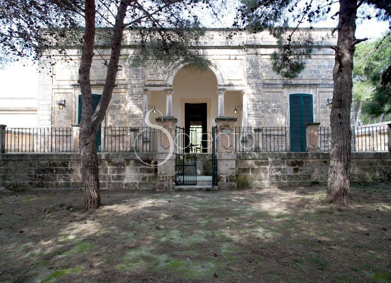 antique villa for an unforgettable stay - Image 1 - Santa Maria di Leuca - rentals