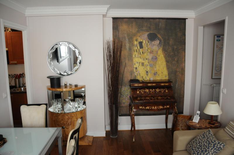 LR3 FPM 0011 - Elegant Paris Rental on the 7th Floor - Paris - rentals