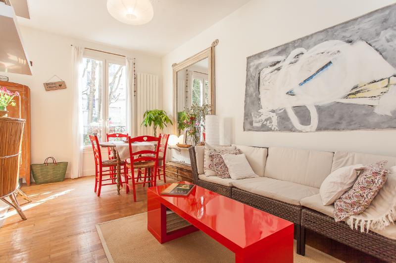 Le Caulaincourt - Country charm at Montmartre - Image 1 - Paris - rentals