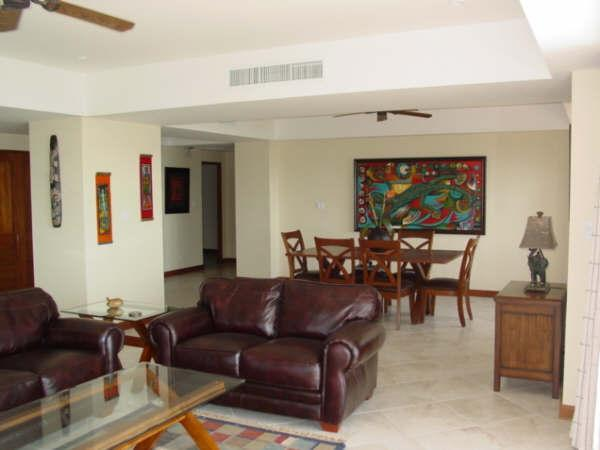Open concept living/dining - Vista Mar end unit - Great Sunsets every night - Jaco - rentals