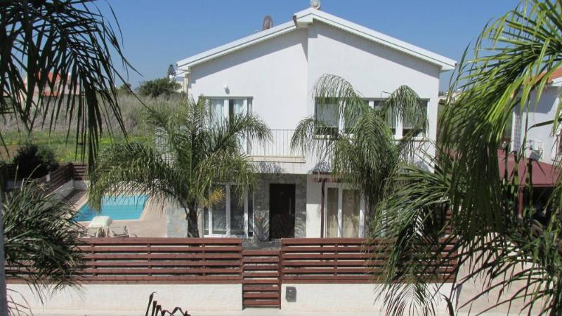 Palm Fronted Villa - Sotira Limini Villa - Sotira - rentals